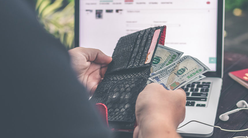 money and wallet - 5 Safety Tips for Michigan Online Gambling